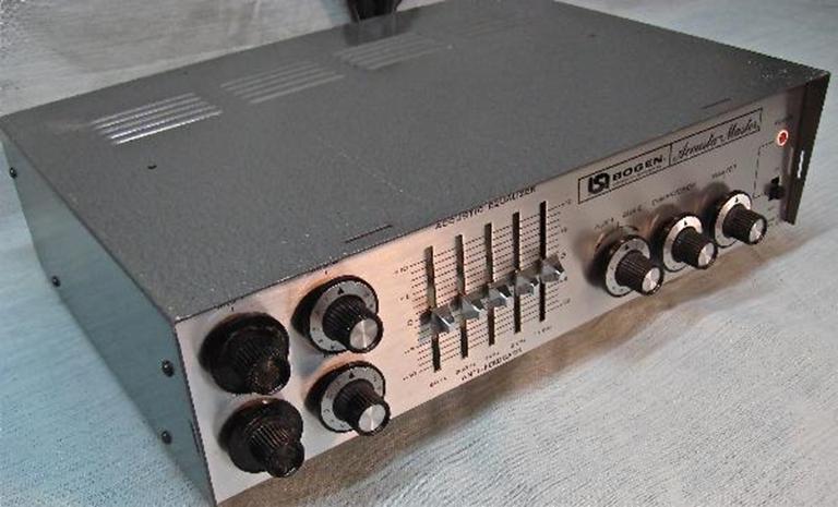 Picture of Bogen CT-100 powered mixer