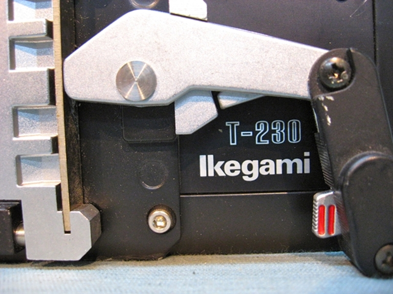 Picture of Ikegami T-230 Tripod Plate